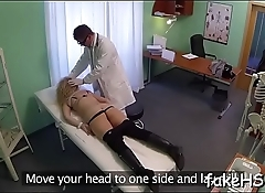 Agile man pleases a sexually excited doctor