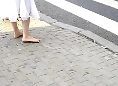 Cams4free.net - Redhead Barefoot in the City Dirty Feet