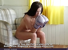 Keira The Boxer naked nice pussy