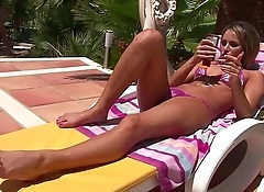 VRpussyVision.com - Lesbian pussy licking and fingering outdoor