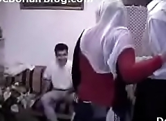turkish aunty banged threesome video